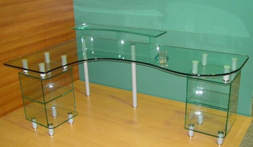1290875097_glass-table-computer.jpg